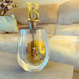 Wine glass w/stopper